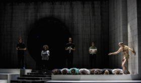 5 спектаклей Максима Диденко, которые можно посмотреть в ноябре