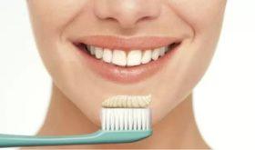 Эксперты назвали плюсы и минусы зубной пасты со фтором