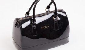 Брендовые сумки и аксессуары – все для милых дам в интернет-магазине!