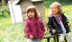 Детская одежда на весну: гулять, не промокнуть и не заболеть