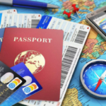 Утрети россиян есть отдельные банковские карты для путешествий