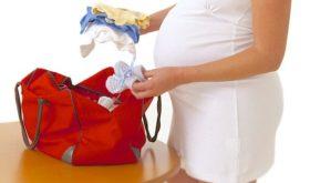 Зачем во время беременности шить или вязать вещи для ребенка