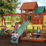 Загородный участок, безопасный для малыша: много места для прогулок