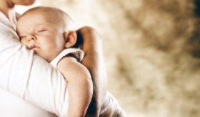 Адаптационные реакции младенца: икота, срыгивание, колики