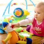 Как подобрать игрушки для ребенка до 1 года