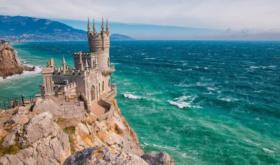 Аксенов: курортный сезон в Крыму может не состояться