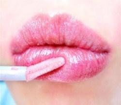 Как выбрать блеск для губ?