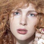Натуральность, сияние и объем: главные тенденции в макияже