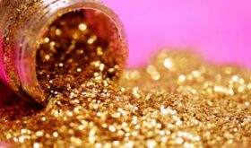 Сияйте, как бриллиант: как использовать блестки в макияже