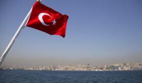 Турция ждет иностранных туристов в июне