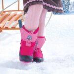 Зимняя обувь для девочек: дутики и термосапожки