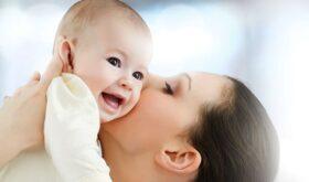 Берем малыша на руки — бояться не нужно