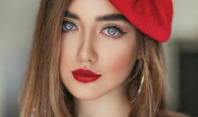 Алый рассвет: красные губы снова в моде