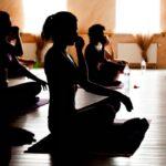 Бикрам-йога поможет даже ленивому