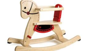 Деревянные игрушки интересны для детей, идеальны для заботливых родителей