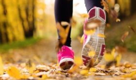 Выбор обуви и одежды для бега: специальные кроссовки и достаточное утепление