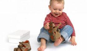 Как выбрать обувь годовалому ребёнку на весну?