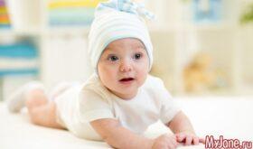 Во что играть с ребенком с рождения до 6 месяцев?