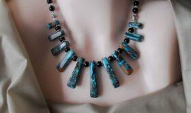 Бусы из натурального камня как завершающий штрих модного образа