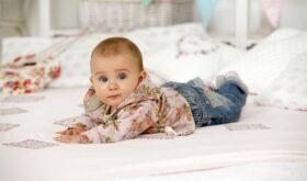 Одежда для первых этапов детства: разные потребности — различные требования