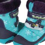 Покупка зимней обуви для ребенка: где и какие сапоги стоит выбирать