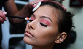 Тщательный разбор: каких компонентов стоит опасаться в декоративной косметике