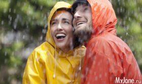Почему стоит купить дождевик?