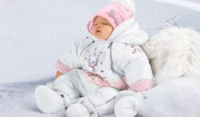 Тема детской одежды как иллюстрация многомерности материнства